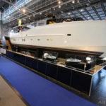Arcadia 85: первая яхта с теплоизолирующим остеклением надстройки и солнечными панелями